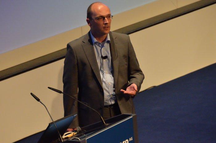 Daniel Adelhardt showing how professional service management looks like